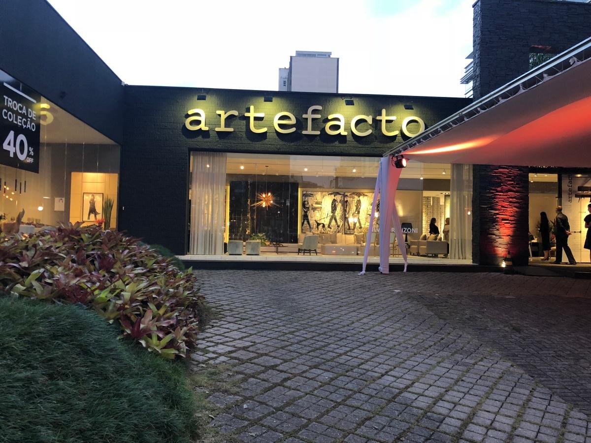 Artefacto Curitibarecebeu a coleção de tecidos e papéis de parede Manifesto Mata Atlântica