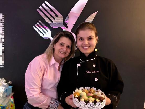 Chef Juliana Piovani em família