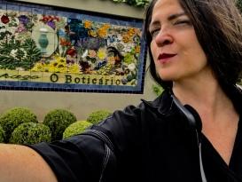 Vanessa Malucelli visita O Boticário