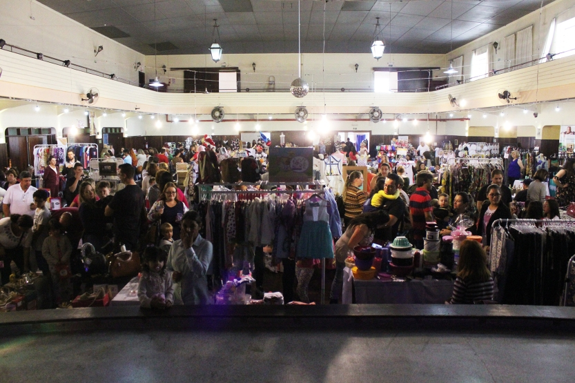 A feira de variedades que acontece no Festival de Inverno