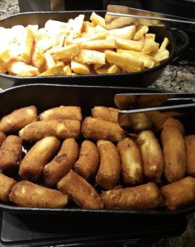Feijoada Rayon - Mandioca e bananas, fritas