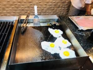 Feijoada Rayon — A chapa, ovos fritos