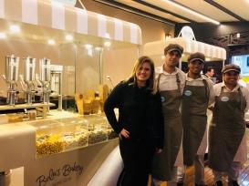 Bela's Bakery, Bela e equipe — EAT'sOn