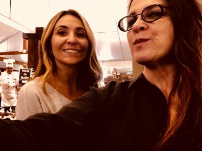 Kely Souza proprietária KF a La Carte, com esta colunista