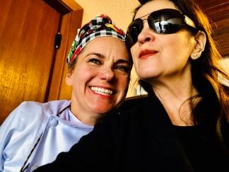 Chef Joy Perini, com Vanessa Malucelli, esta colunista