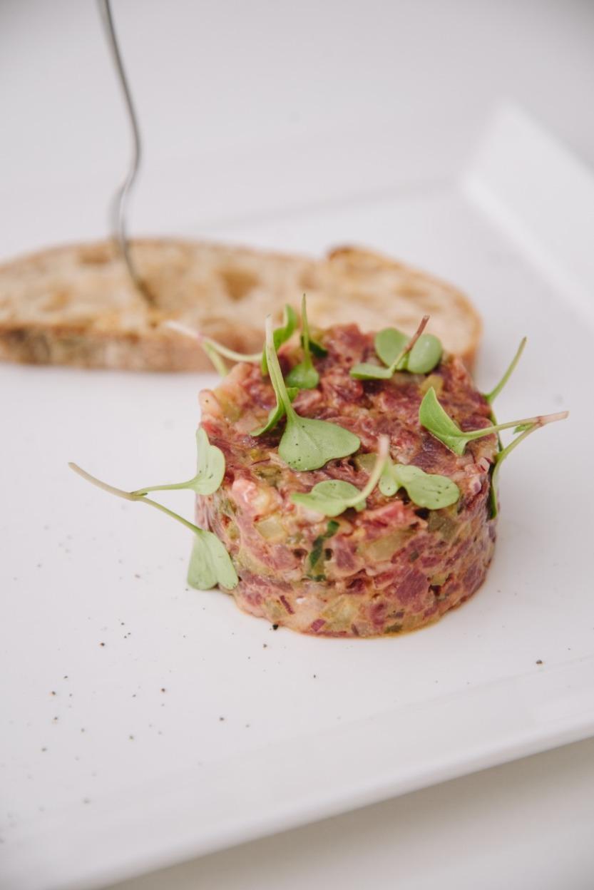 Steak tartare com broa de lavain_GastroNight +55_13-11-18