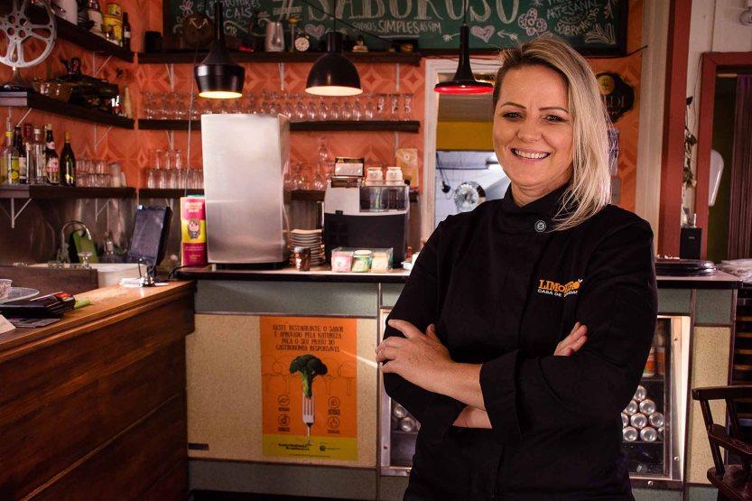 Chef Vania Maciel
