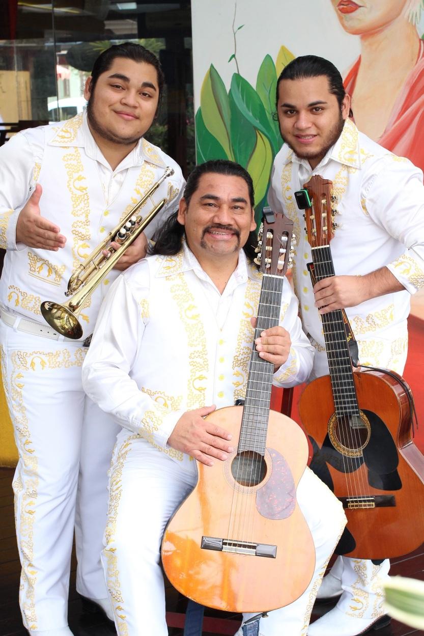 mariachis 1