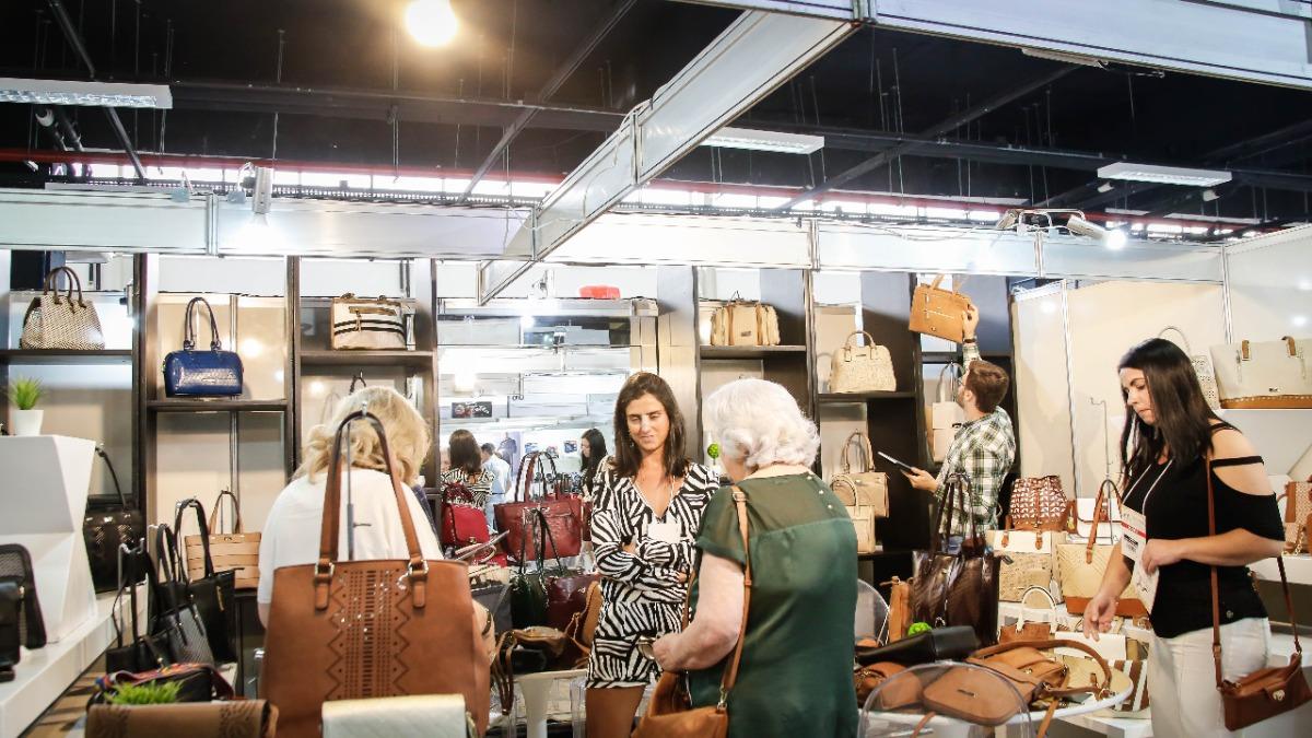 Curitiba recebe a Calcemoda, maior evento de vestuário e calçados do sul do país, entre os dias 20 e 23 de janeiro, na FIEP