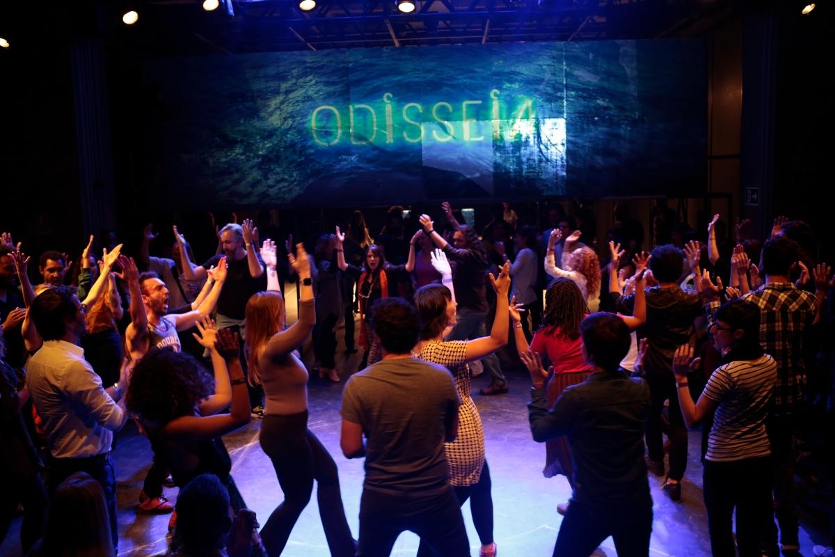 """""""Odisseia"""" narra uma década da Cia. Hiato pelo viés das aventuras de Ulisses, que levou dez anos para voltar ao lar"""