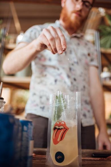 Drink_by_Ariel_Toeschini,_Ponto_Gin,_Red_Snapper_créd._Jennyfer_Almeida