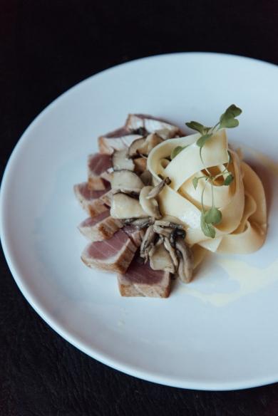 Atum Selado com Massa Fresca, Mix de Cogumelos e Azeite Trufado_GastroNight +55 Bar_14-05-19