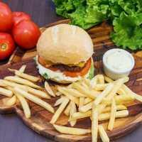 Denver Burger & Grill oferece promoções semanais imperdíveis
