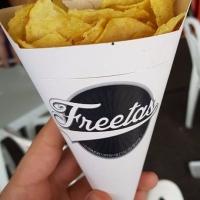 Maior evento de batata frita do mundo se torna tradição em Curitiba