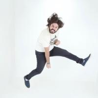 Davi Mansour, humorista, ator e comediante nascido na Capital Paraense, Belém do Pará, e é atualmente um dos principais nomes do Stand Up Comedybrasileiro.