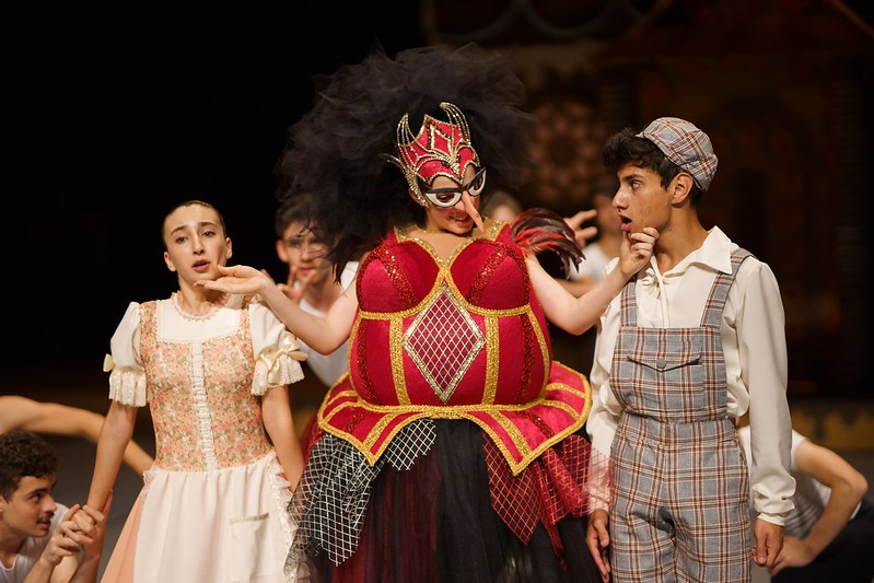 Escola de Danca Teatro Guaira Joao e Maria - credito Cesar Bond (1)