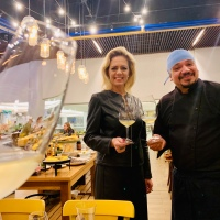 Clientes e convidados aprovam happy hour de vinhos do Pecorino