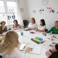 Escola de inglês para maiores de 50 anos inova o conceito de aprendizado de uma segunda língua