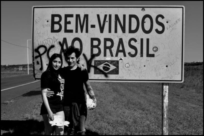 Contemplando_América_-_Vampi_e_Dash_na_fronteira_em_São_Borja-RS