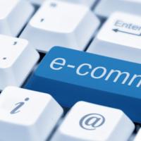 Compras pela internet ganham força durante a pandemia e ajudam a movimentar a economia local.