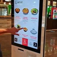 Totem de autoatendimento para restaurantes de shoppings ajuda no distanciamento social
