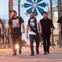 Versão rock dá espaço para a Bossa Nova com novos arranjos