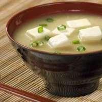 Chef ensina 3 sopas saborosas para aquecer os últimos dias de frio