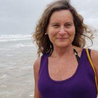 Mônica Guttmann participa do #livecomavila