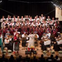 Em memória às vítimas da fome, grupo folclórico de Curitiba promove concerto e campanha de doações