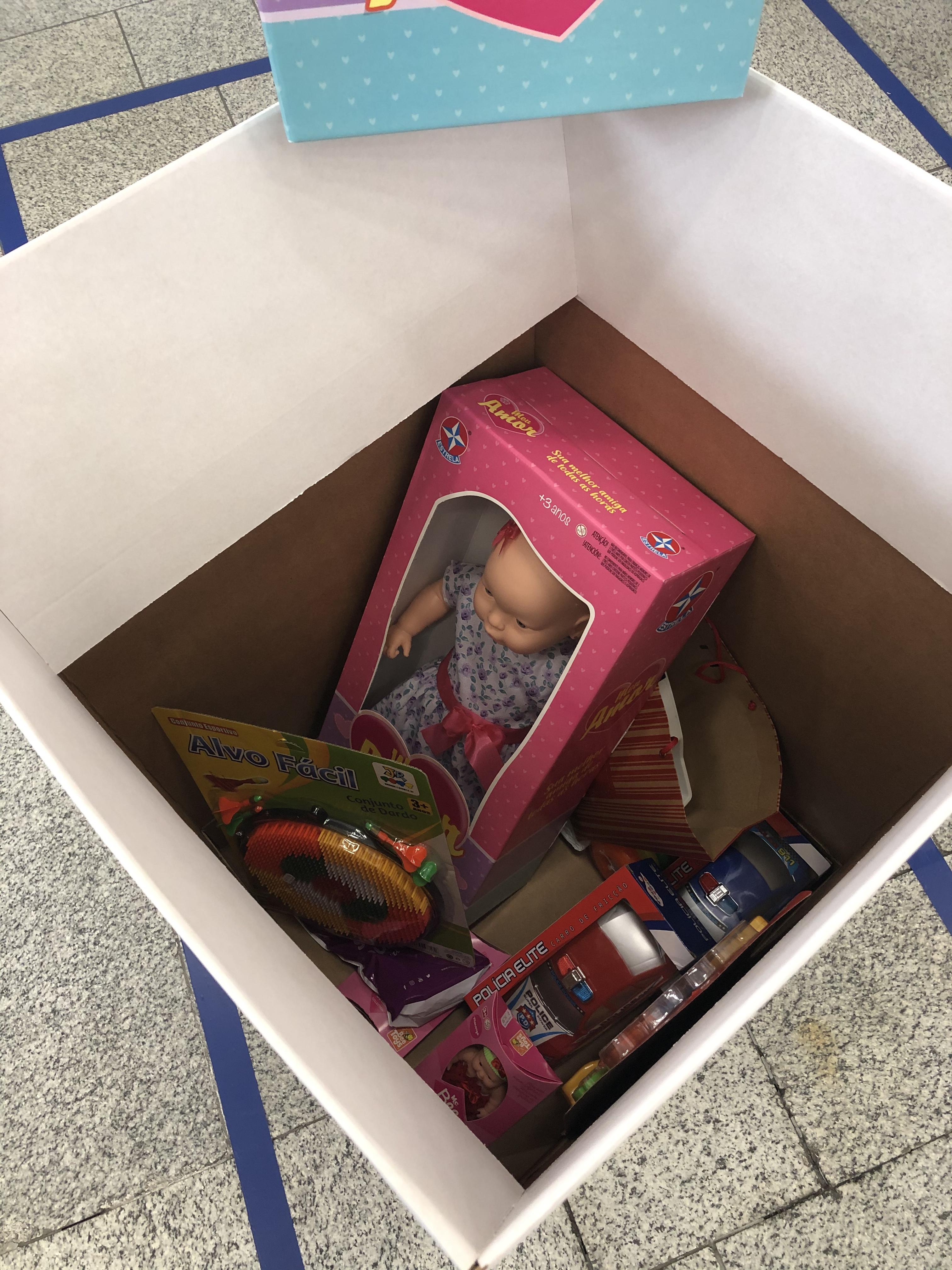 Caixa de Doação_Agência Bradesco Palácio Avenida_Brinquedos