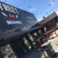 Street Patagonia reabre com promoções e novidades no cardápio