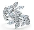 Anya_Taylor-Joy_Anel_de_diamante_Tiffany_Victoria®_em_platina