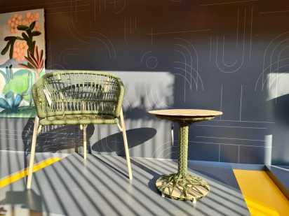 Cadeira Nave e mesa La Vita 3