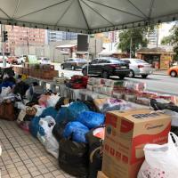 Shopping arrecada alimentos e roupas em drive thru solidário dia 18/09