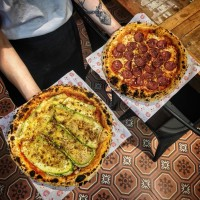 Pizzaria da Mathilda lança entrega própria e dá descontos especiais